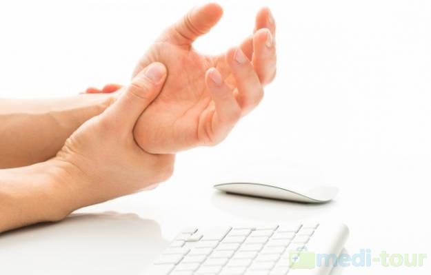 Poliartretyzm dłoni
