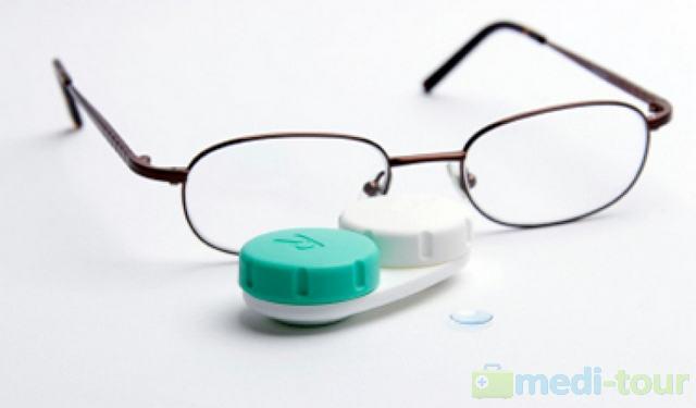 Soczewki kontaktowe czy okulary
