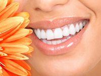 Piekne zęby to jedna z zalet leczenia implatami