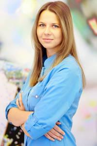 DR Karolina Polak